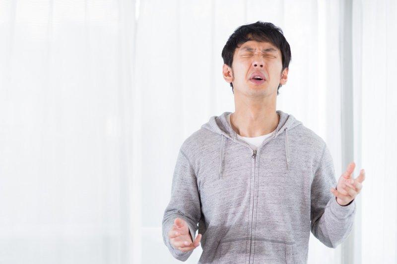 冬天是最容易發生胃病的季節,大家要多留意身體健康。(圖/すしぱく@pakutaso)