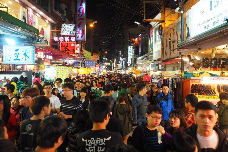 夜市是台灣特有文化之一,這些大大小小夜市中,你最愛哪一味?(圖/othree@flickr)