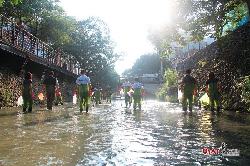 綠川工坊用淨川為環境請命。(圖/ 台中好生活提供)