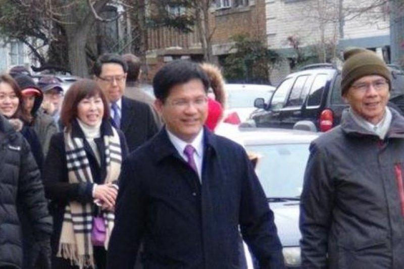 以台灣前行政院長游錫堃(右一)為首的台灣代表團參加了川普就職典禮。(BBC中文網)