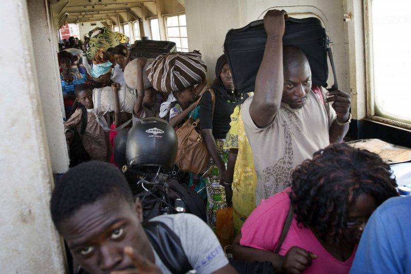 甘比亞爆發政治危機,民眾人心惶惶(AP)