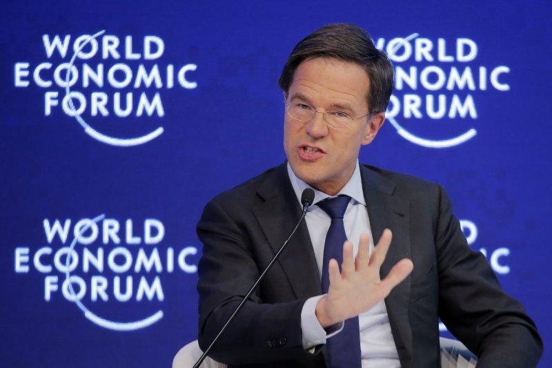 面對右翼浪潮席捲歐洲,尋求連任的荷蘭總理呂特似乎被「逼急了」(AP)