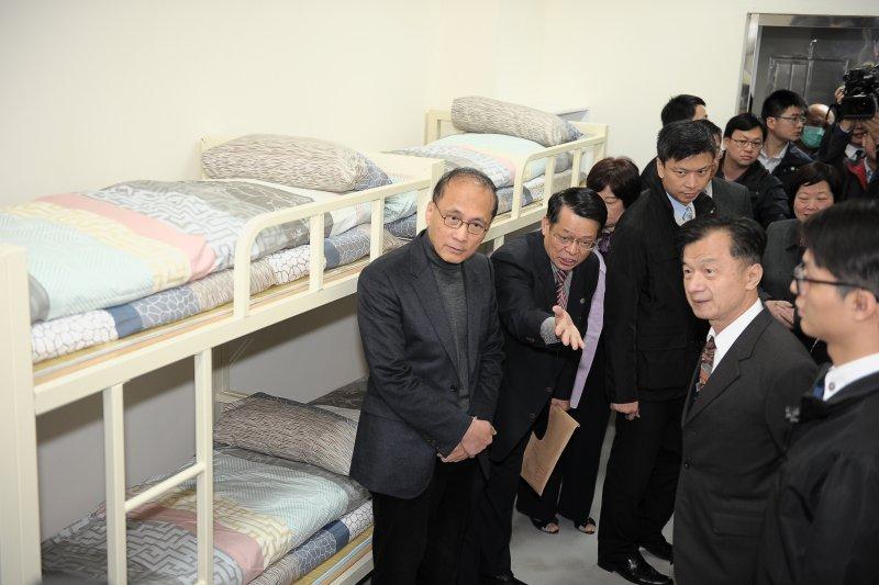 行政院長林全今(25)日視察「法務部矯正署台北監獄」。(行政院提供)