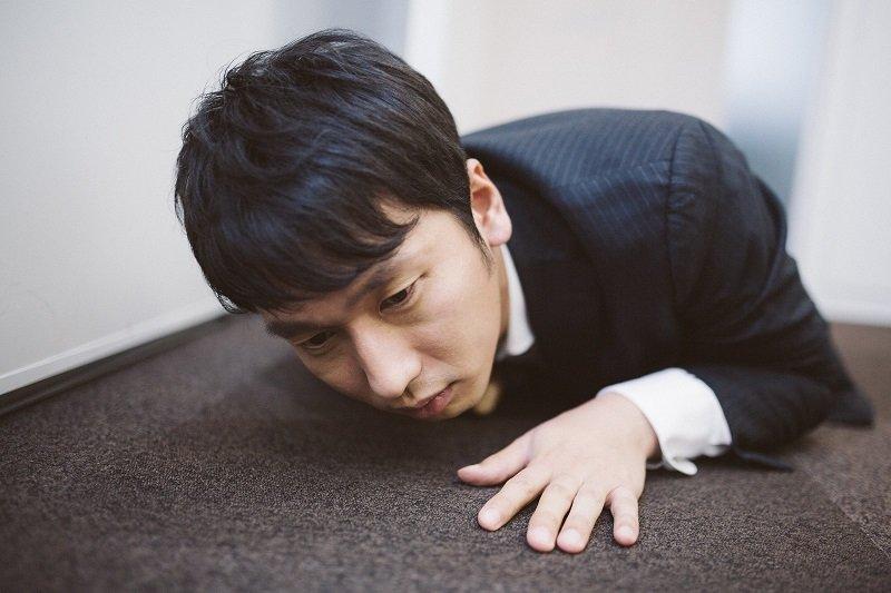 如果你一個晚上要起來尿尿五次,甚至在外面會不小心尿失禁,那真的是很痛苦啊!(圖/pakutaso)