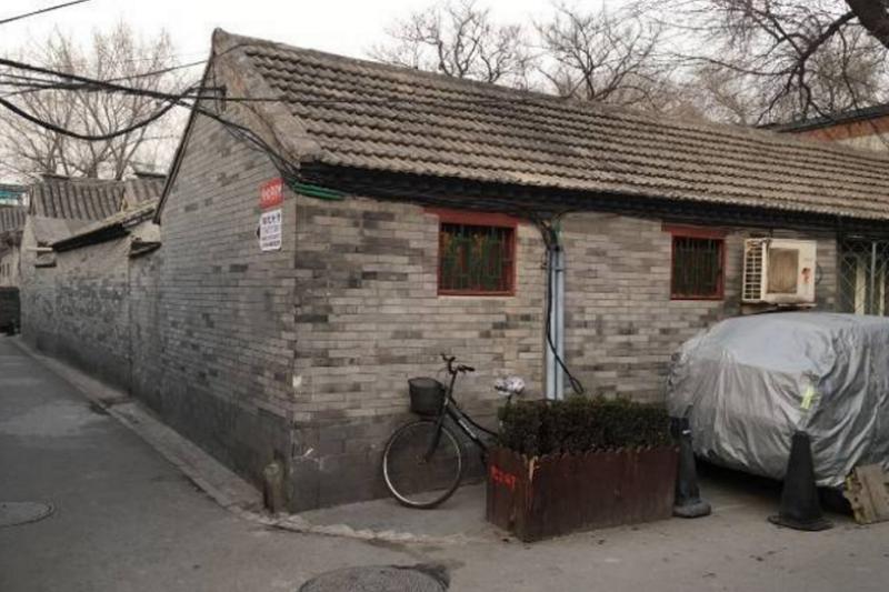 文昌胡同位於北京金融街南部邊緣,著名的二小即位於此。曾經34萬一平米的天價紀錄,早已泯然於過去,取而代之的是40萬一平米。(西洋參考)