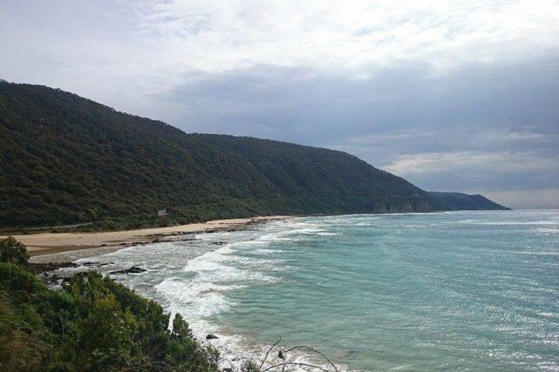 強斯敦阿公在分類廣告放上他家附近海灘的照片。(取自Gumtree)
