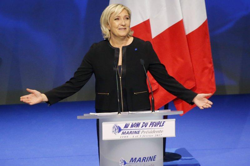 法國極右派「民族陣線」總統候選人勒潘揚言當選後要舉辦脫歐公投(AP)