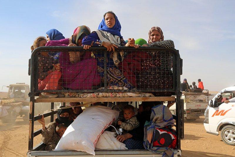 準備逃離敘利亞村莊的婦女和兒童。(翻攝UNICEF年度報告)