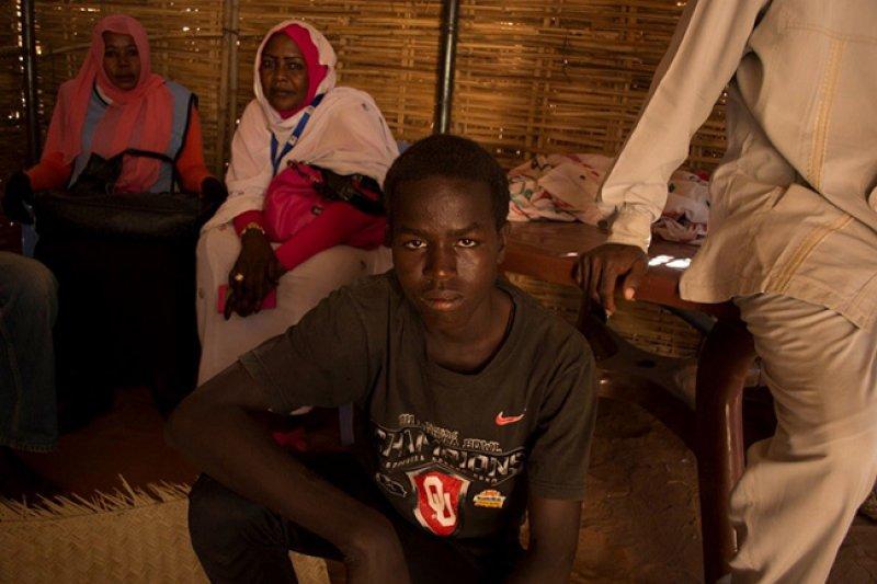 居住在蘇丹難民營的男子。(翻攝UNICEF年度報告)