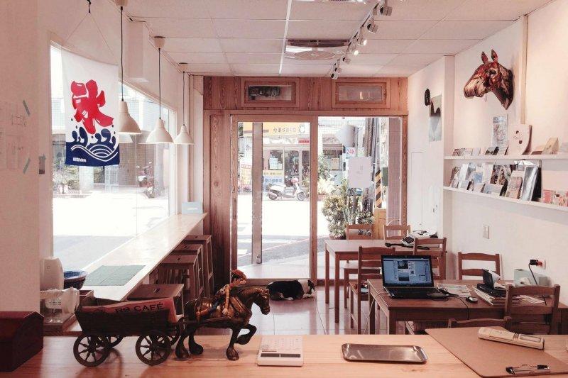 不要再說桃園很無聊了!為你精選12家桃園必去文青咖啡店,讓你美食、美照拍不完!(圖/長腿實驗室@facebook)