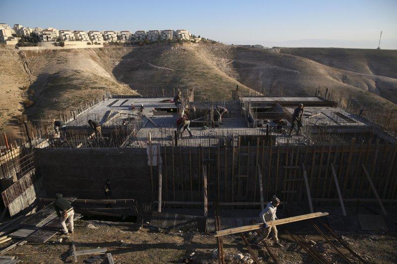 以色列大幅擴張約旦河西岸與東耶路撒冷的屯墾區,巴勒斯坦人強烈抗議(AP)