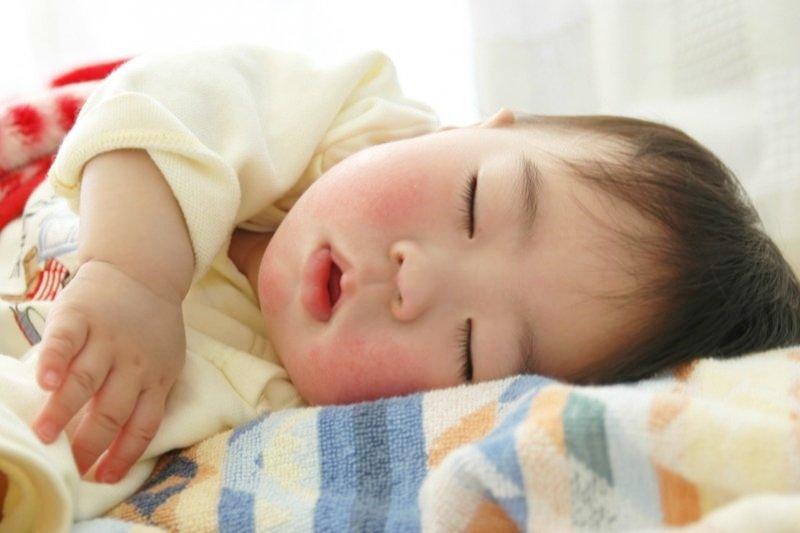 常常睡不著或睡不好嗎?快來認識這些幫助你睡得更好的小撇步!(圖/MinoyuNitta@flickr)