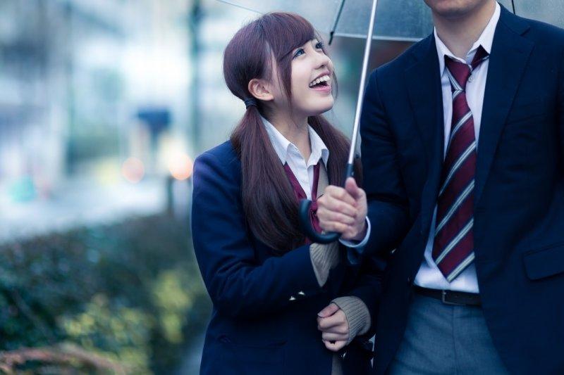 2月14日是情人節,在日本,「巧克力」可以說是情人節的代名詞。(圖/すしぱく@pakutaso)