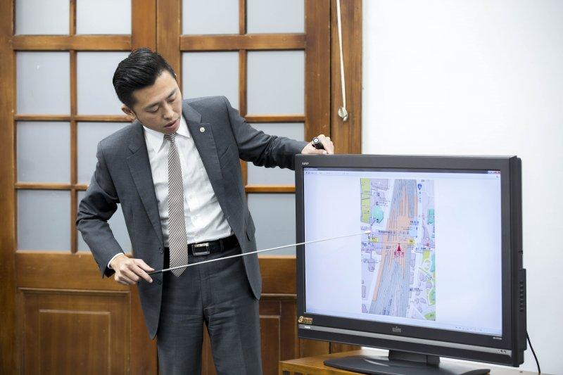 新竹市長林智堅向行政院提出5大建設,爭取275億全額補助。(新竹市政府提供)