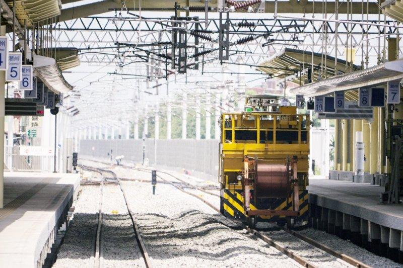火車慢慢往前駛,就像潮州不斷進步一樣(圖/billy1125@flickr)