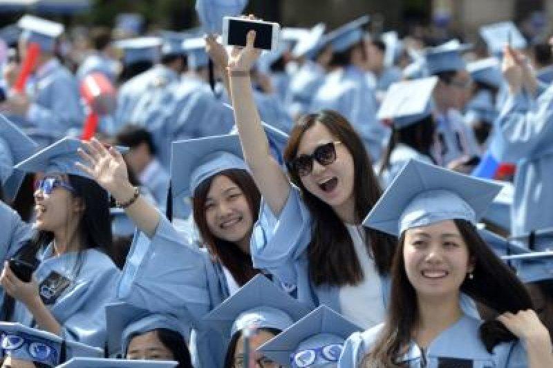 在美國際留學生為美國經濟創造了369億美元產值,並創造45萬個工作機會。(圖取自美國之音)