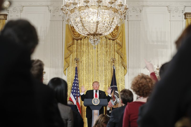 美國總統川普16日召開記者會,談論佛林私通俄國案、他與俄國的關聯、新政府政績、簽證禁令等。(AP)