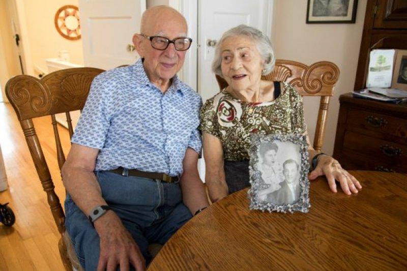 結縭超過75年的布魯姆夫婦的愛情故事有揮之不去的納粹陰影(翻攝Claim Conference)
