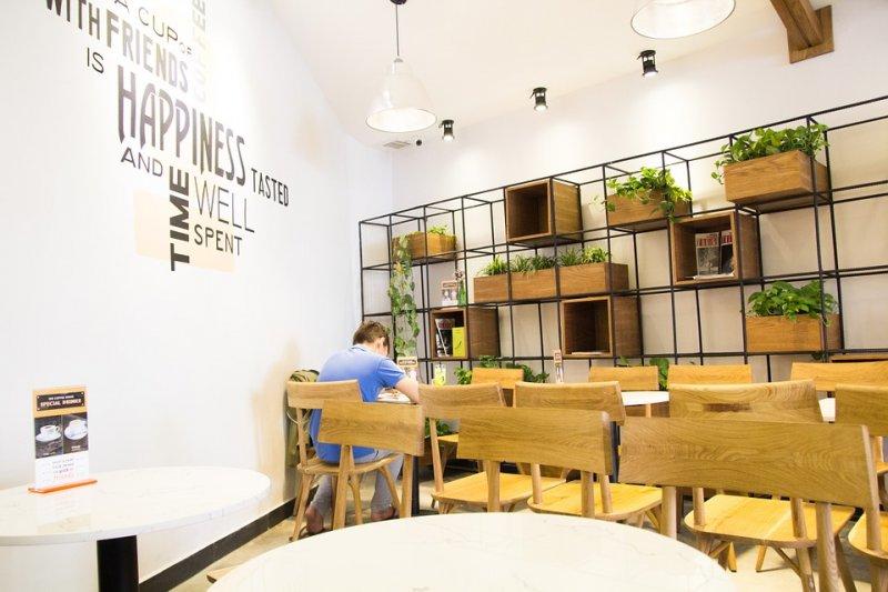 厭倦了嚴肅的辦公氣氛,很多人期待能夠帶著電腦到咖啡店工作。在紐約,這個夢想被實現了!(示意圖/Pixabay,與本文店家無關)