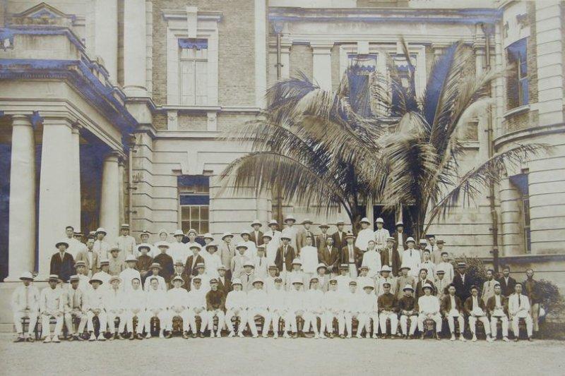 昭和六年台南州廳老照片。(梁淑美、林健南提供)