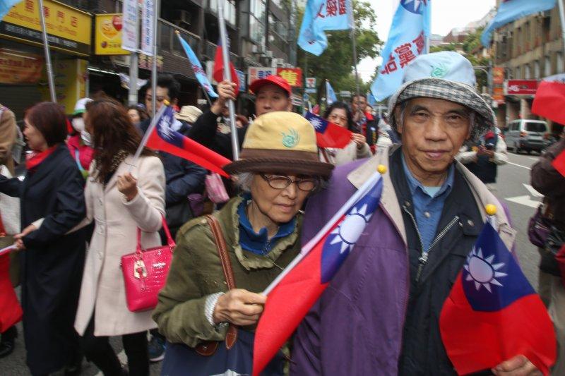 20170221-八百壯士捍衛權益繞行立法院(陳明仁攝)