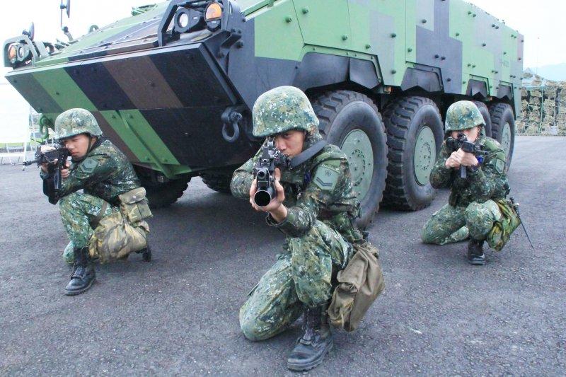 如果這個國家的人民都不支持國軍,那誰來支持國軍呢?(圖/國防部發言人@facebook)