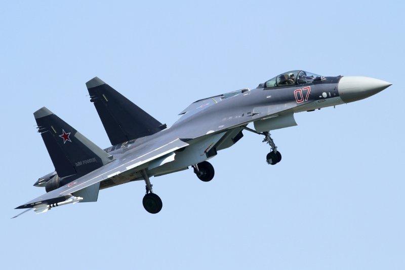 Su-35戰鬥機(取自維基百科)