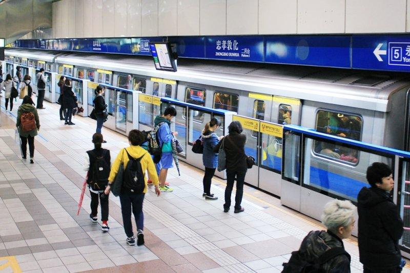 在台灣,如果你是這樣勇敢做自己的怪咖,可以預見的是,10年後,你將是人人搶著要的A咖(圖/ericnvntr@flickr)