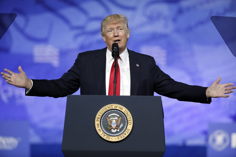 美國總統川普24日再度痛批媒體報導假新聞(AP)