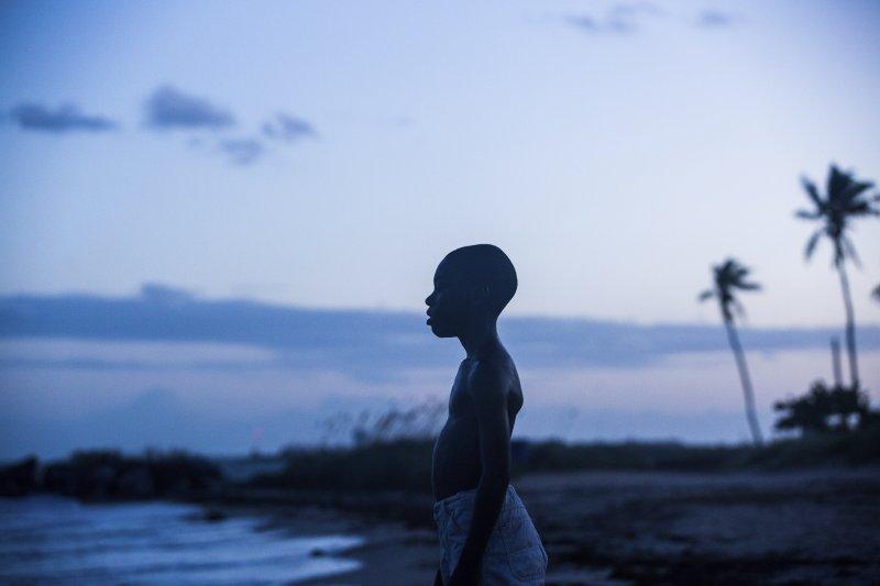 《月光下的藍色男孩》(AP)