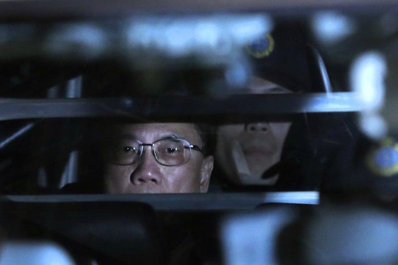 香港前特首曾蔭權判刑後,由囚車押送至赤柱監獄(AP)