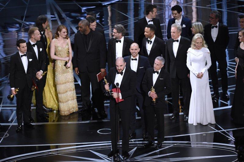 奧斯卡史上最大烏龍,《樂來樂愛你》劇組團隊都上台後,才知道自己不是得獎人(AP)