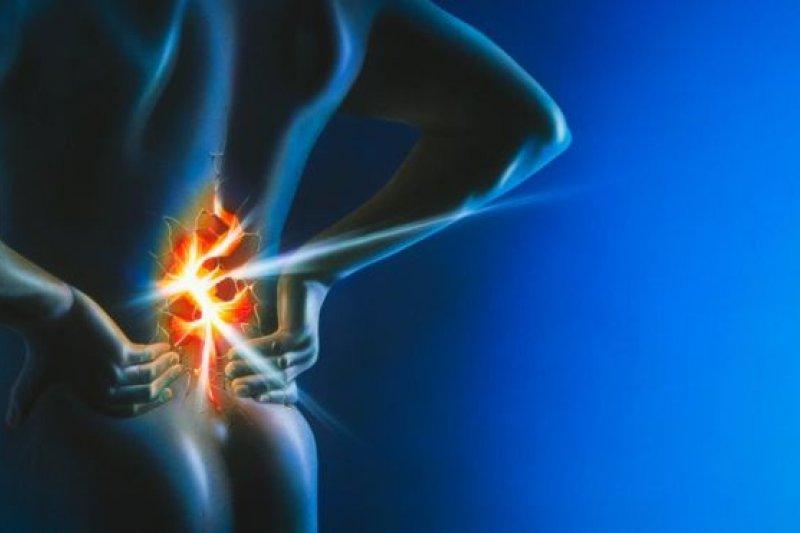 研究人員希望通過了解腰痛與早亡之間的關係可以找到預防方法。(BBC中文網)