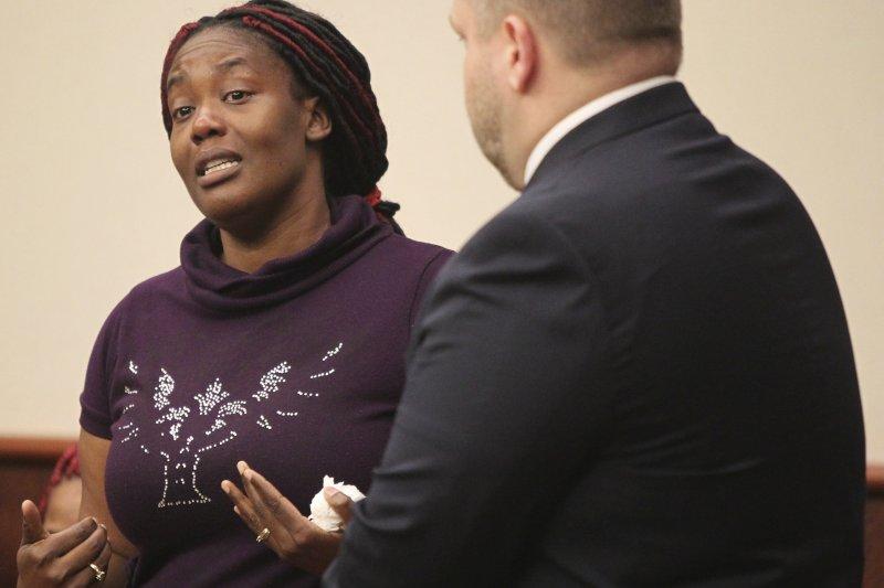 受害人之一的布朗特女士發言,表示完全原諒托雷斯和諾頓的行為(AP)