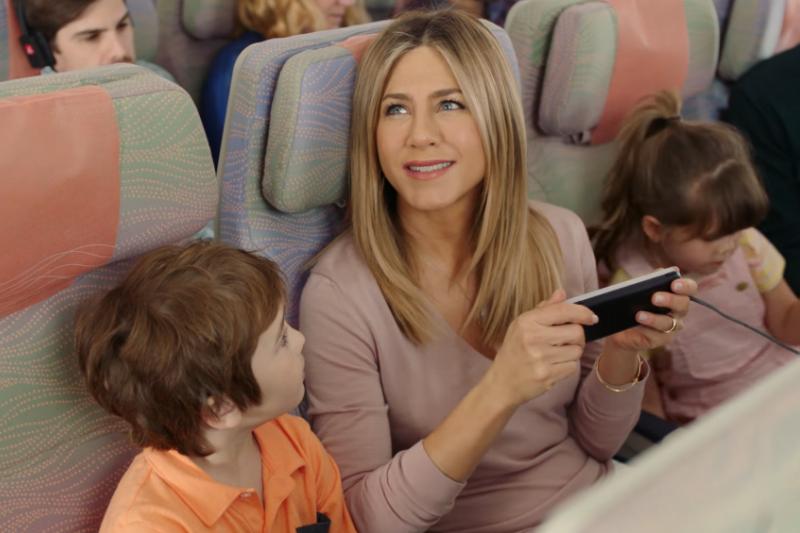 搭乘大眾交通工具時,密閉環境裡,你也會覺得外國小孩比較安靜?(示意圖非主角本人/翻攝自youtube)