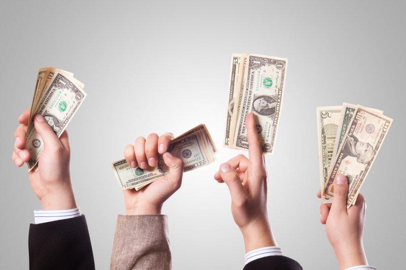 如果不學會好好存錢、規劃用錢,即使年薪百萬也可能成為月光族!(圖/flickr@401(K)2012)