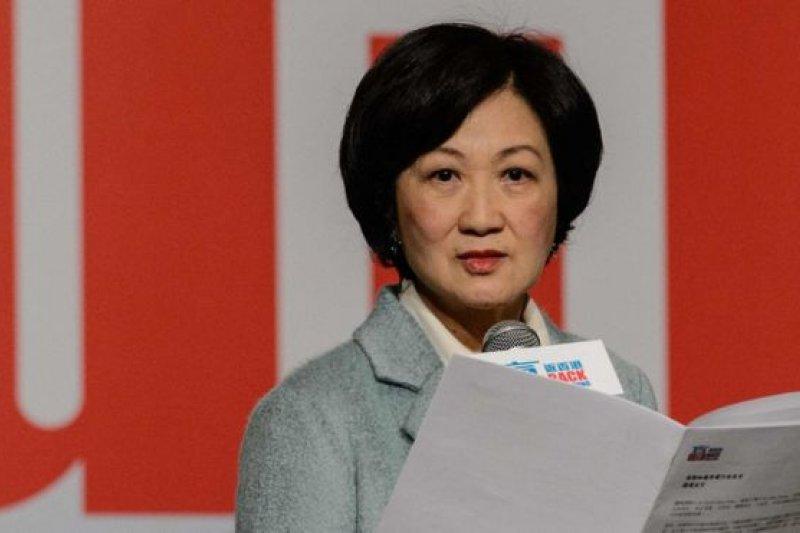 葉劉淑儀2016年12月15日召開記者會宣佈投入特首選舉。(圖取自BBC中文網)