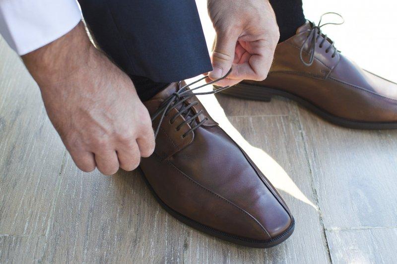 俗語說「要看出一個人的品味,首先要看他的鞋子」,一雙好鞋直接反映著一個男人的身分與品味。(圖/Goumbik@pixabay)