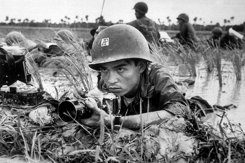 黃幼公的哥哥黃成密擔任《美聯社》攝影記者時殉職(AP)