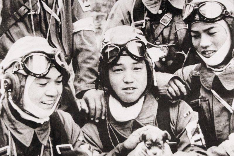 加入神風特攻隊為天皇賣命,也是許多台灣人的夢想(圖/wikimedia commons)