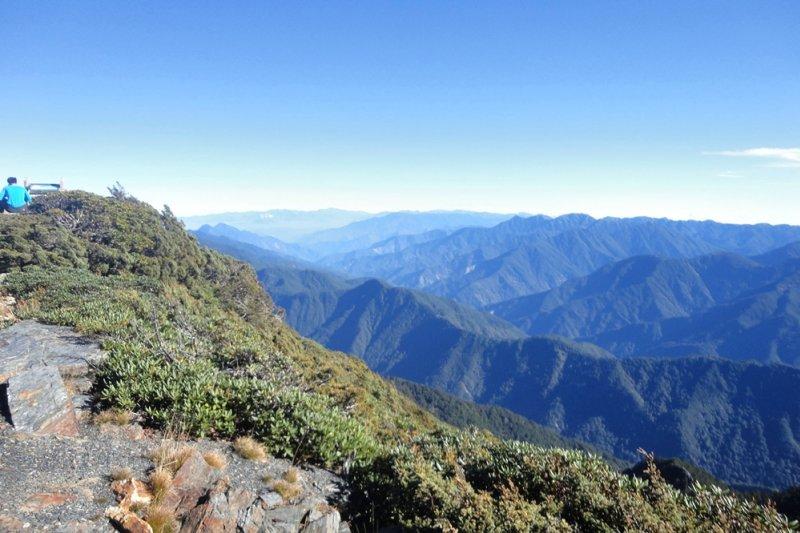 該怎麼形容我所見到的玉山呢,回憶當時清晨登頂的景象,那種畢生難逢的景象與體驗,依然無法沉澱為文字...(圖/Chungeric0713@flickr)