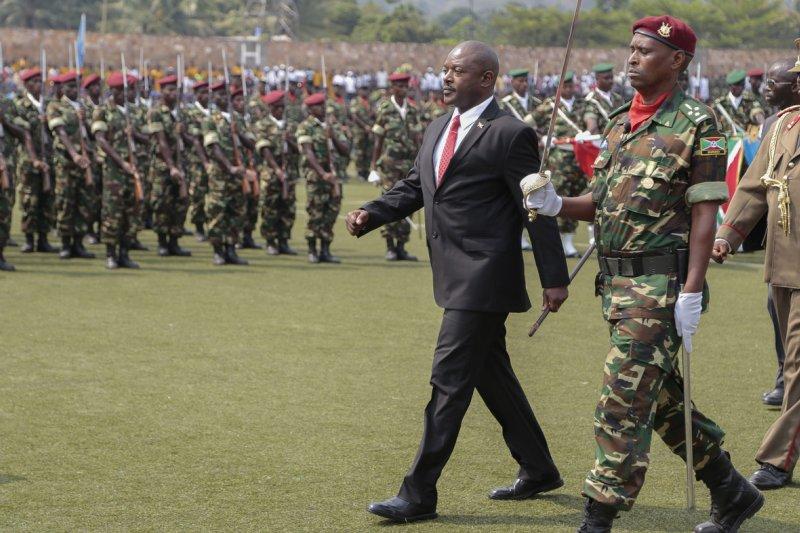 蒲隆地總統恩庫倫齊札為鞏固政權,指責揭露政府醜聞的報導全是「假新聞」(AP)