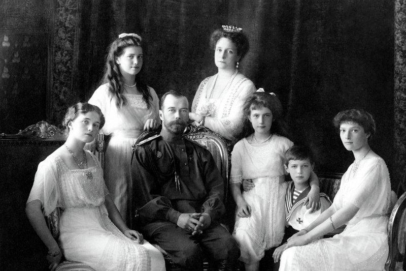 俄羅斯末代沙皇尼古拉二世全家福(Wikipedia / Public Domain)