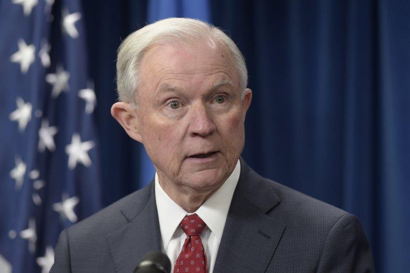 司法部長賽辛斯認為禁令沒有違法問題(AP)