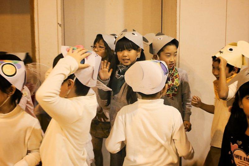當父母對孩子發展有疑慮時,應當即刻找專家協助諮詢。(示意圖非本人/MIKI Yoshihito@flickr)