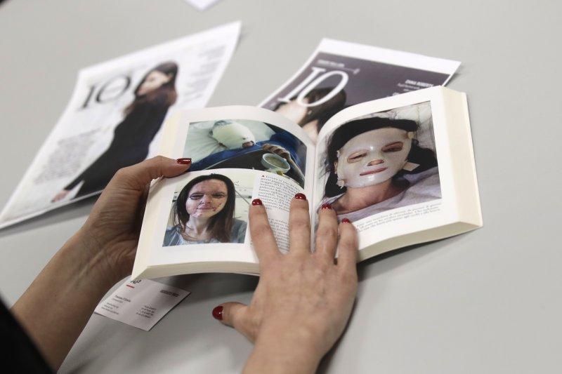 義大利女律師安妮芭莉(Lucia Annibali)也出了一本書分享他的心路歷程。(美聯社)