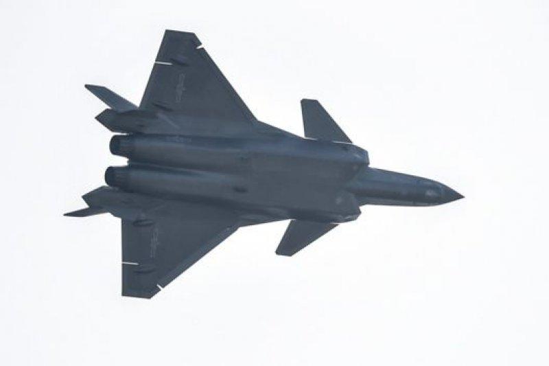 殲-20樣機前不久在珠海中國航展上首次亮相。(BBC中文網)