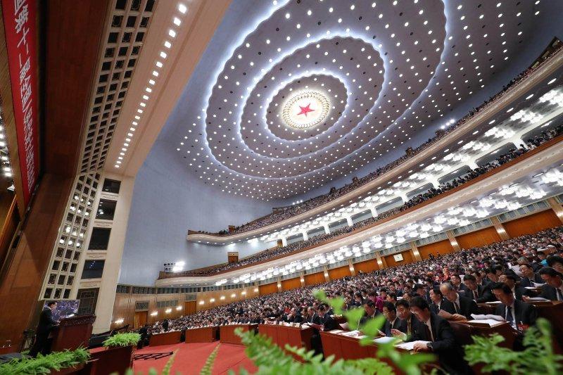 第十二屆中國人民代表大會第五次會議3月5日在北京人民大會堂開幕。國務院總理李克強作政府工作報告。(新華社)