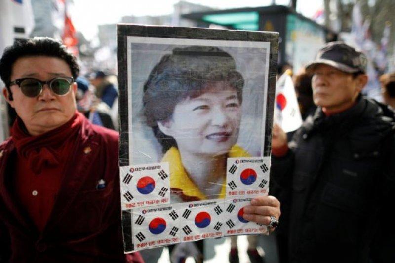 朴槿惠成為南韓憲政史上首位被彈劾下台的總統。(BBC中文網)
