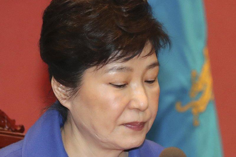 南韓總統彈劾案審理10日宣判,朴槿惠成為南韓憲政史上第一位被彈劾下台的總統(AP)